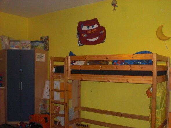 Kinderzimmer 'Calvin`s Traum in lila und Cars vereint'
