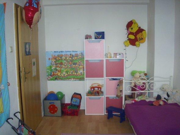 Kinderzimmer 39 emily s neues kinderzimmer 39 unsere neue for Fenster kinderzimmer