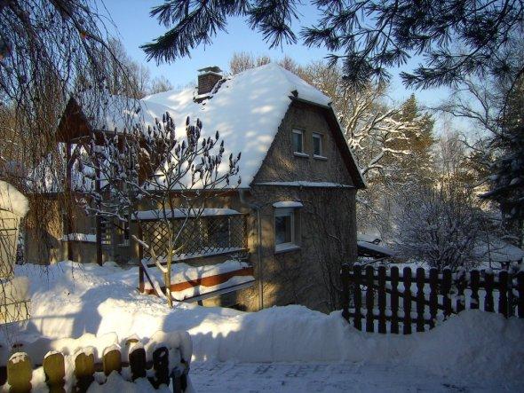 Unser Häusschen im Winterkleid