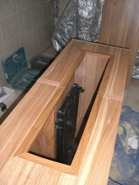 tipp von hofiprofi versenkbarer fernseher im eigenbau zimmerschau. Black Bedroom Furniture Sets. Home Design Ideas