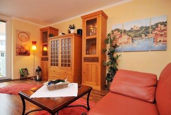 wohnzimmer 39 chillen unterm dach 39 gr nderzeitschatztruhe. Black Bedroom Furniture Sets. Home Design Ideas