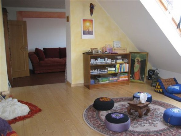 wohnzimmer 39 ruhe und meditationsraum 39 leben auf dem. Black Bedroom Furniture Sets. Home Design Ideas