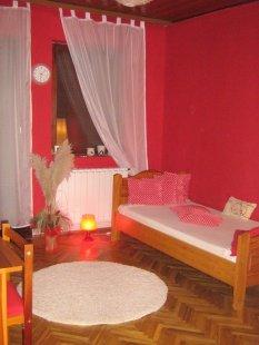 rot  Zimmer