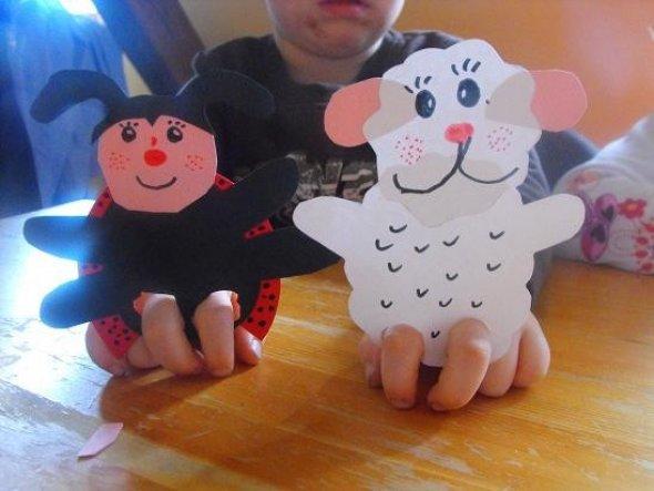 Fingerpuppen Schaf und Marienkäfer.Gebastelt von meinem Sohn.