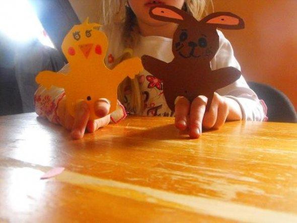 Fingerpuppen Küken und Hase gebastelt von meiner Tochter.