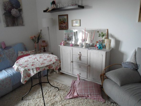 wohnzimmer 39 unser gem tliches wohnst bchen im shabby chic 39 unsere traumwohnung seit august. Black Bedroom Furniture Sets. Home Design Ideas