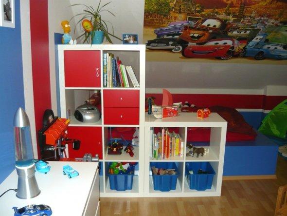 Kinderzimmer 39 joshi s neues reich cars 39 ein haus mit noch vielen offenen w nschen zimmerschau - Kinderzimmer raumteiler ...