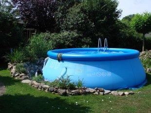 Pool und Poolhaus  2011