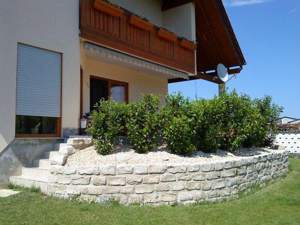 terrasse balkon 39 terrasse 39 mediterranes haus zimmerschau. Black Bedroom Furniture Sets. Home Design Ideas