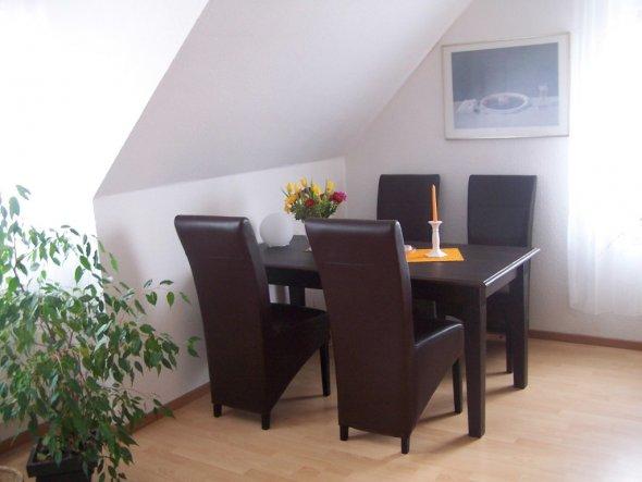 39 wohnzimmer 39 unsere mini wohnung zimmerschau. Black Bedroom Furniture Sets. Home Design Ideas