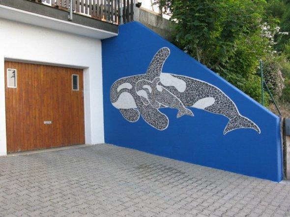 Mein Kunstwerk: Ein riesiger Orca ziert unsere Einfahrt