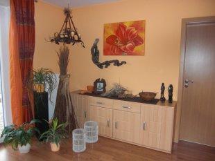 wohnzimmer 39 wohnzimmer afrika neu 39 haus der welten zimmerschau. Black Bedroom Furniture Sets. Home Design Ideas