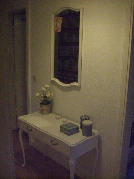 flur diele 39 flur 39 meine kleine wohnung zimmerschau. Black Bedroom Furniture Sets. Home Design Ideas
