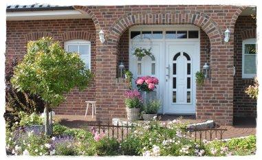 Die bebliebteste Einrichtung: 'Der Eingang und Vorgarten' von Frangipani
