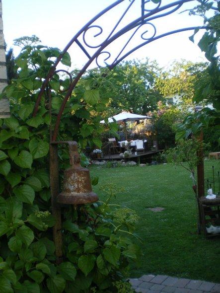 Garten 'Der Weg in unser kleines Paradies'