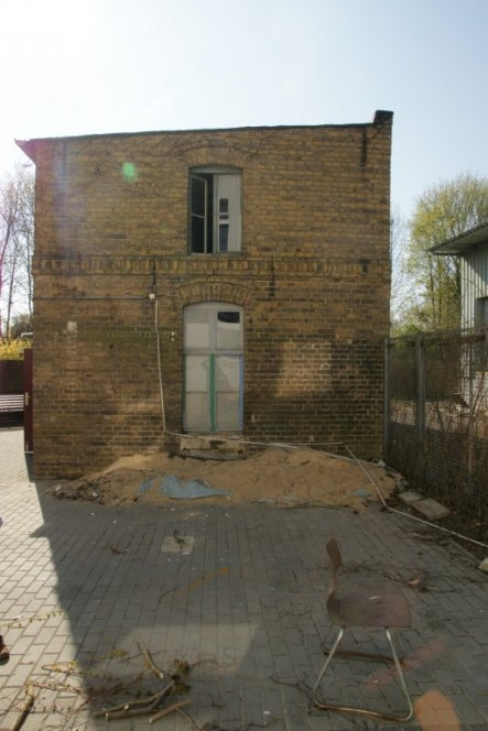 Das war der Ausgangspunkt, die abgerissenen Carports...