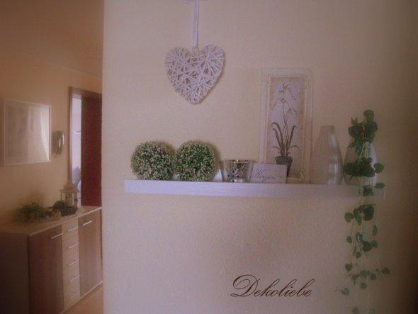 Januar 2011 Nun musste die Weihnachtsdeko weichen! Das Wandregal habe ich noch schnell weiß gestrichen!