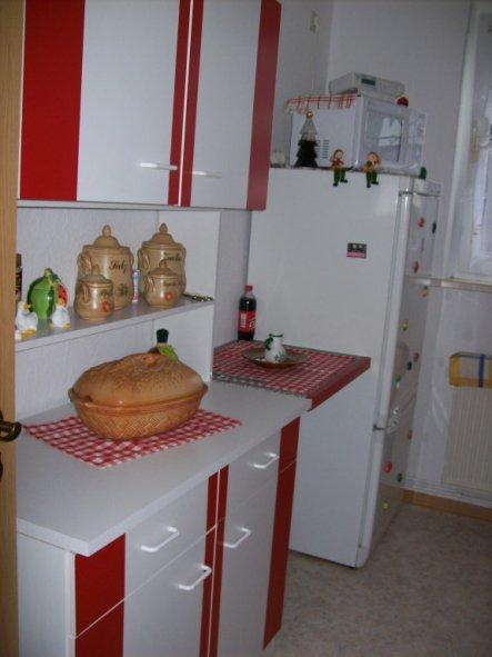 kleine rote Küche