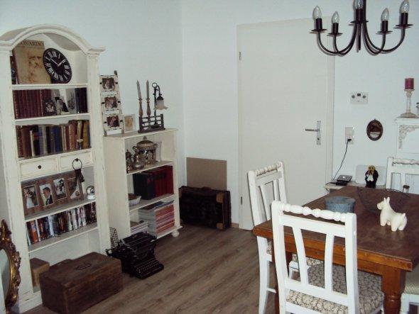 Wohnzimmer 39 alles drin 39 petit shabby home zimmerschau for Wohnungseinrichtung modern