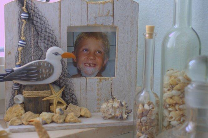 ein wirklich passendes Bild... unser Sohnemännchen--> zwar ohne Zähne aber mit Bart im Bad... :-)