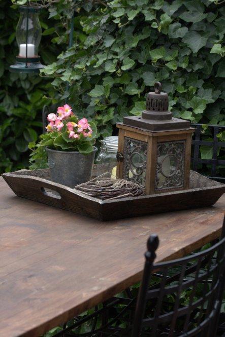 29.05.2012:heute ist es mal etwas bedeckt, nach so vielen Sonnentagen aber direkt mal eine Erholung für die Pflanzen, da will ich doch gleich mal die