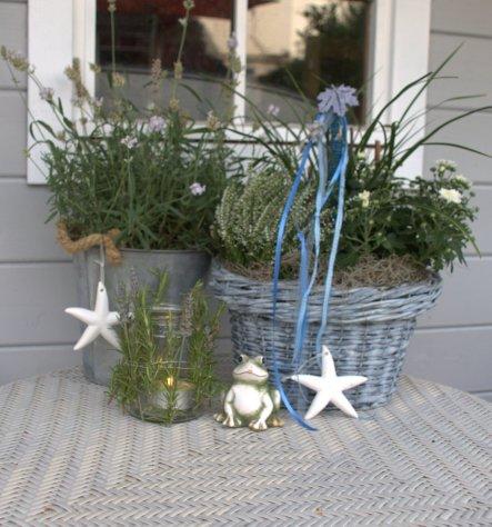 """noch was zum 9♥9♥... passend zur Gartenhütte ein Herbstkorb... das """"Gurkenglas"""" wurde mit Zweigen von Rosmarin und Lavendel zum stimm"""