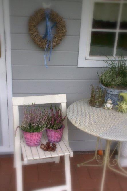 04 Oktober 2012: Ein bisschen Herbst jetzt auch an der Hütte.... Kürbisse, Kastanien, Heiden... und die Seesterne und Muscheln habe ich auch vom Kranz
