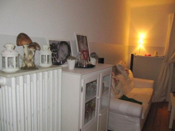 Sie macht ein angenehmes Licht! :-) Leider hatte ich gestern schon alle Kerzen gelöscht. Mit Kerzenschein ist es dann so richtig gemütlich. :-)