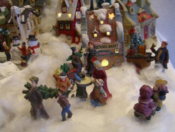 Christkindelmarkt...heiße Würstchen und Brezeln