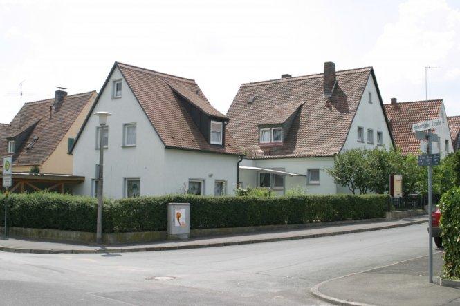 vorher- 2 scheinbar einzelne Häuser