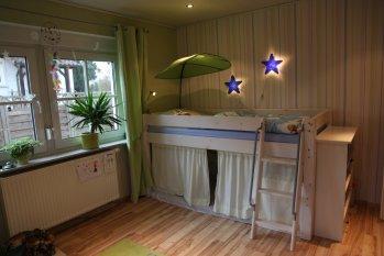 Skandinavisch 'Kinderzimmer von Tom Elias'