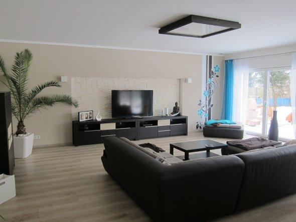 Wohnzimmer 39 wohn esszimmer k che in neuem glanz - Wandgestaltung wohnzimmer beispiele ...