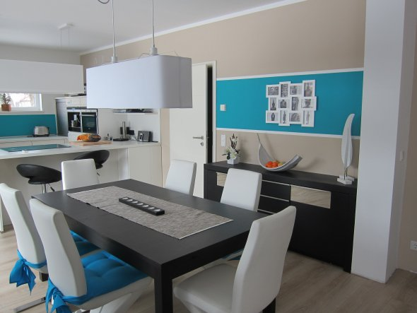 Wohnzimmer 'Wohn- Esszimmer & Küche in neuem Glanz'