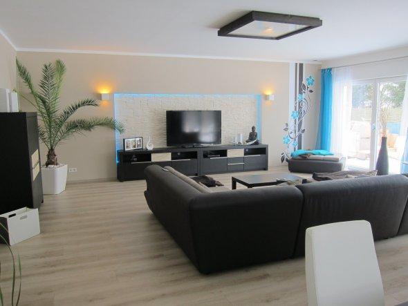 Wohnzimmer 39 wohn esszimmer k che in neuem glanz - Wandfarbe esszimmer ...