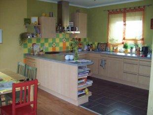 Wohnzimmer 39 wohn und esszimmer 39 unser zuhause zimmerschau for Fliesen offene kuche