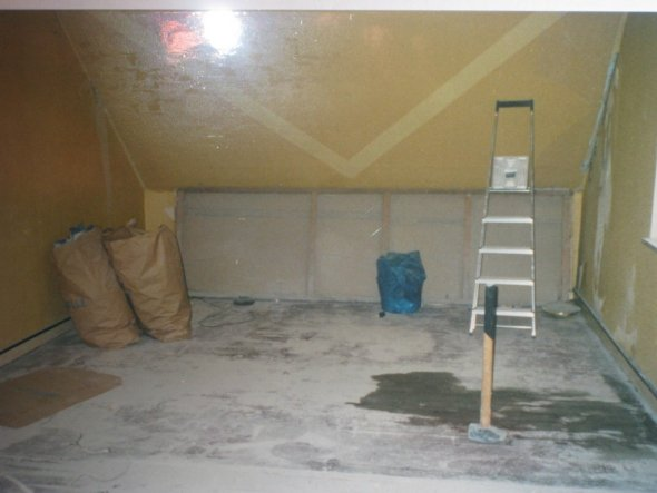 Blick ins Wohnzimmer während der Renovierung 2002