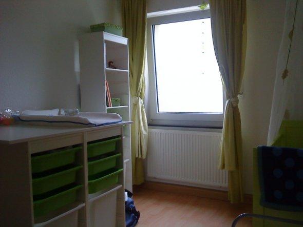 kinderzimmer 39 joniszimmer 39 eguntenlinks zimmerschau. Black Bedroom Furniture Sets. Home Design Ideas