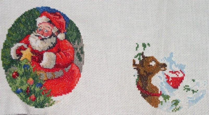 Alle Jahre wieder.... das fertige ist vom letzten Jahr und das rechte ist meine Winterarbeit für dieses Jahr, an Weihnachten 2013 werde ich dann alle