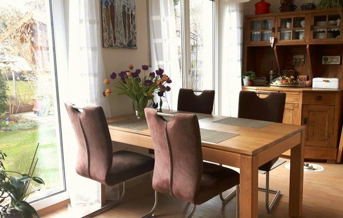 Esszimmer 'Essplatz im offenen Wohn- und Küchenbereich'