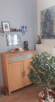Essplatz im offenen Wohn- und Küchenbereich