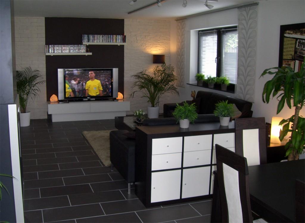 Wohnzimmer Fliesen Wand ? Dumss.com Dunkle Fliesen Wohnzimmer Modern