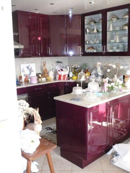 Meine Küche sorry, dass die Mülltüte noch da steht hab Ich übersehen:-)