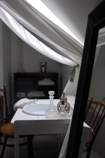 bad 39 b der 39 vorher nachher zimmerschau. Black Bedroom Furniture Sets. Home Design Ideas