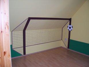 Fußballflair im kinderzimmer  http://s9.gladiatus.de/ga me/c.php?uid=83752