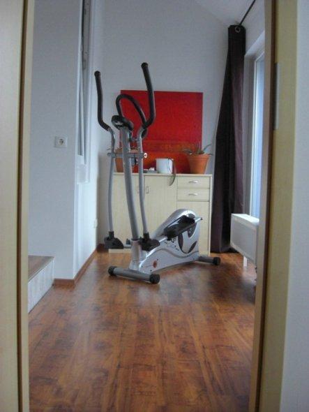 Blick von der Tür ins Schlafzimmer...das hier ist noch alles provisorisch...muss mal sehen was ich daraus noch mache....