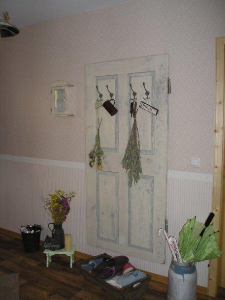 flur diele 39 aus alt mach neu 39 unser kleines holzh uschen zimmerschau. Black Bedroom Furniture Sets. Home Design Ideas