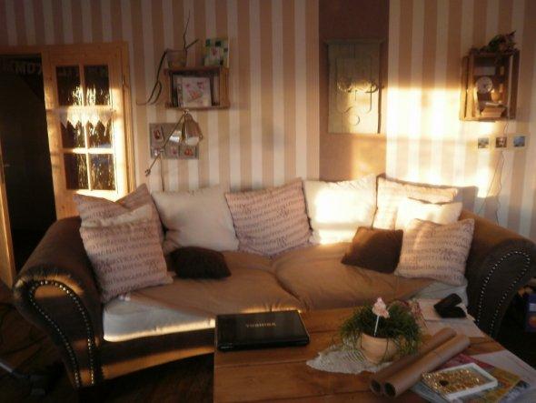 wohnzimmer 39 unser wohnzimmer 39 unser kleines holzh uschen zimmerschau. Black Bedroom Furniture Sets. Home Design Ideas