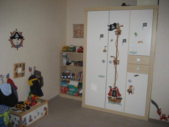 kinderzimmer 39 piratenzimmer 39 landwohnung zimmerschau. Black Bedroom Furniture Sets. Home Design Ideas