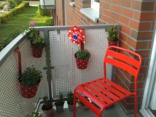 terrasse balkon 39 mein kleiner minibalkon 39 wohnzimmer zimmerschau. Black Bedroom Furniture Sets. Home Design Ideas