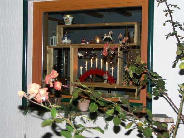 Deko 39 fenster u tischdeko 39 kuschelhaus zimmerschau - Fenster weihnachtsdeko ...